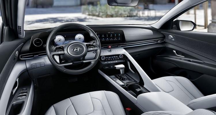 2021-hyundai-elantra-interior-dashboard-3ac2.jpg