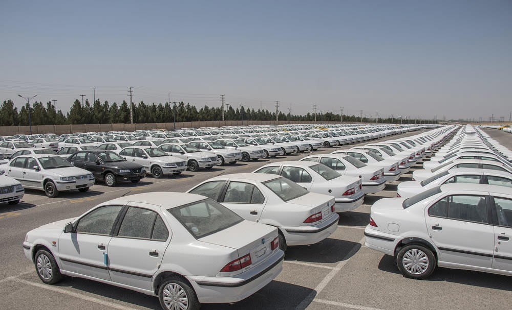 کشمکش بر سر قیمتگذاری خودرو همچنان ادامه دارد