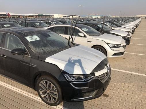 انجمن واردکنندگان خودرو : خودروهای تازه ترخیصشده امکان فروش سریع ندارند