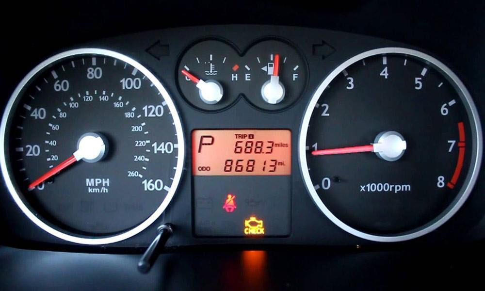 نگاهی به 10 علت اصلی و رایج روشن شدن چراغ چک در خودرو