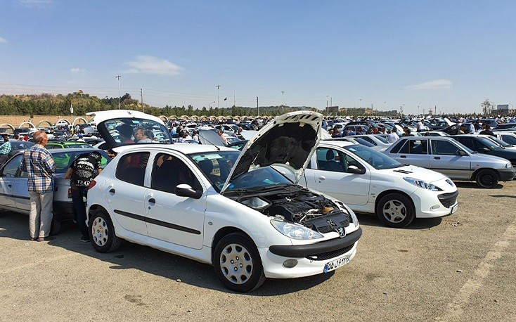بازار خودروی پایتخت در رکود کامل خرید و فروش
