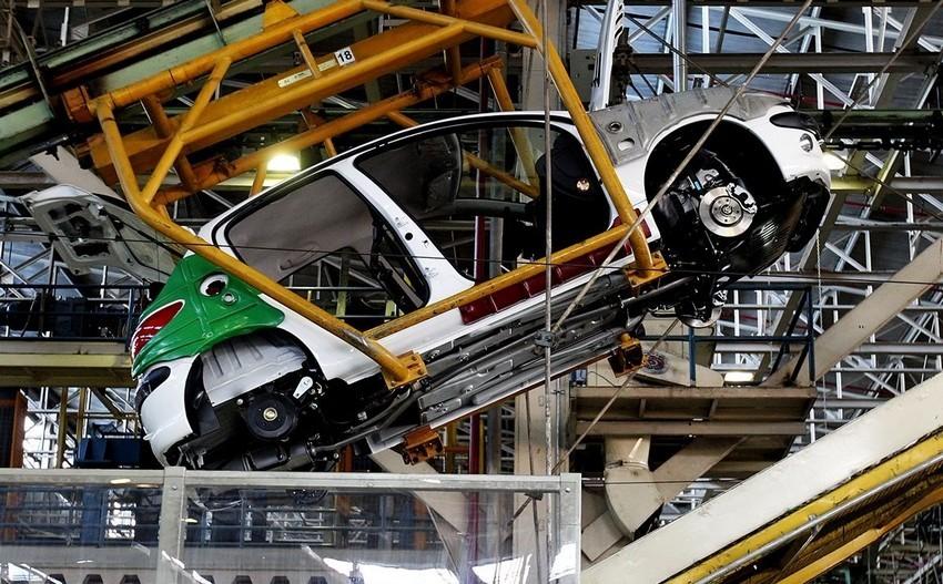 احتمال بازگشت تولید خودروسازان کشور به زیر هزار دستگاه در روز
