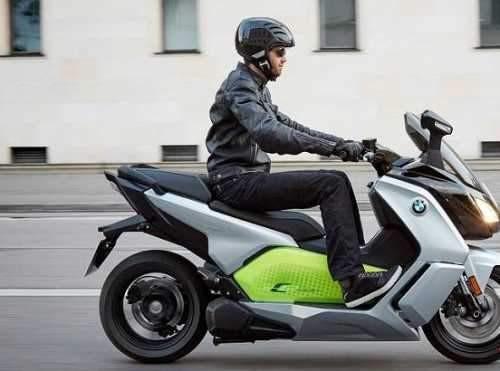 راندن موتورسیکلت برقی هم برای بانوان ممنوع است! - 17 تیر 99