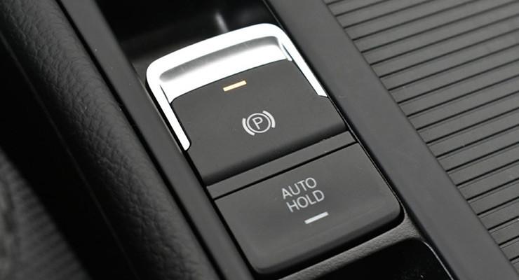 اتوهلد (AUTO HOLD) سیستم ترمز اتوماتیک در خودرو چیست؟