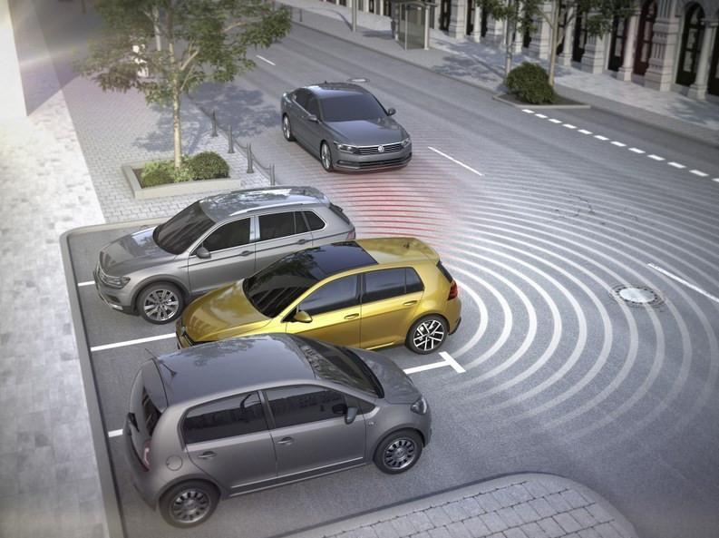 آشنایی با سیستم تشخیص ترافیک در بخش عقبی خودرو + جزییات
