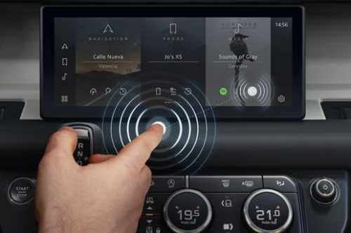 استفاده از نمایشگر بدون نیاز به لمس در خودرو!