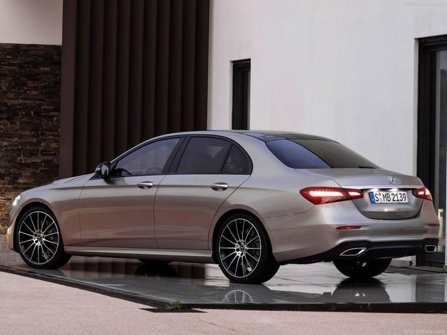 Mercedes-Benz-E-Class-2021-1280-10.jpg
