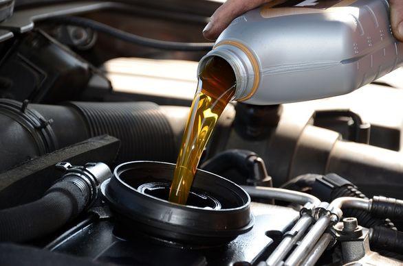 مناسب ترین زمان تعویض روغن موتور خودرو چه زمانی می باشد؟