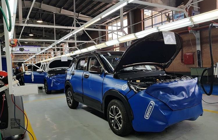 خودروسازان به جای تحویل خودرو، آن را در بازار می فروشند