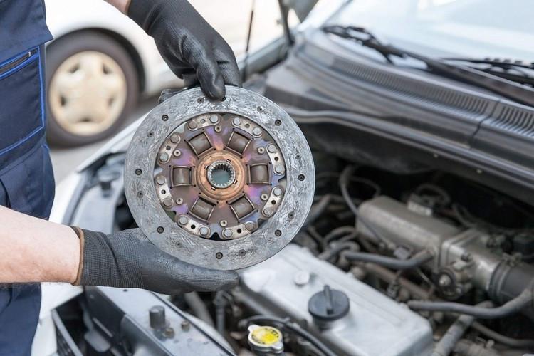 چگونه می توان عمر صفحه کلاچ خودرو را افزایش داد؟