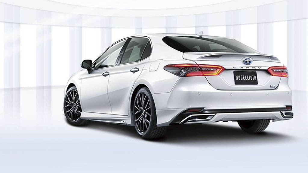 toyota-camry-modellista-rear-three-quarters.jpg