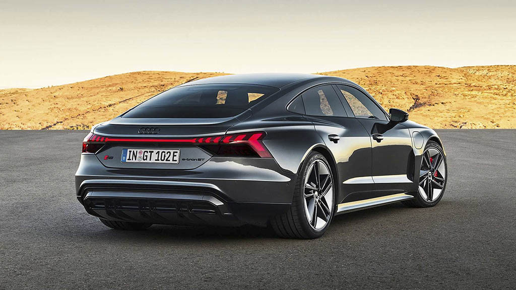 2022-Audi-RS-E-Tron-GT-2.jpg