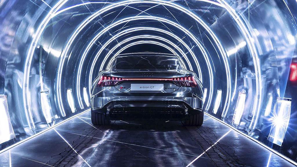 2022-Audi-RS-E-Tron-GT-13.jpg