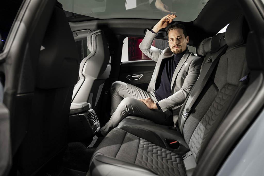 2022-Audi-e-tron-GT-50-Carscoops-Live-Pic.jpg