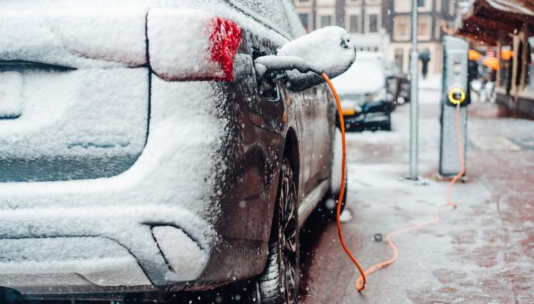 آیا سرما تاثیری بر عملکرد خودروهای برقی دارد؟