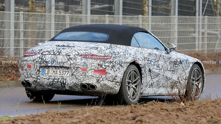 2022-mercedes-benz-sl-new-spy-photo-rear-three-quarters.jpg