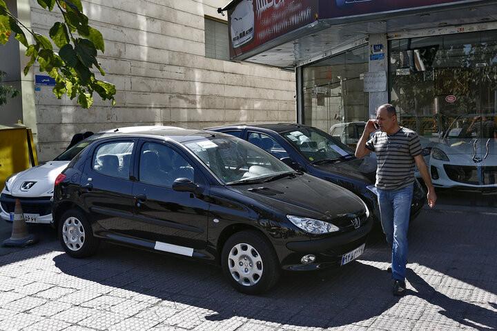 تداوم رکود بازار خودرو در کشور تا خرداد ماه سال ۱۴۰۰