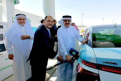 آغاز رقابت برای کنار گذاشتن خودروهای بنزینی در خاورمیانه