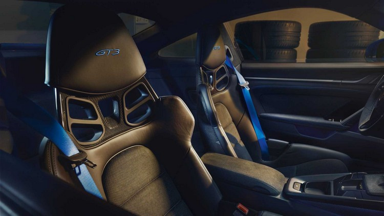 2022-porsche-911-gt3-seats.jpg
