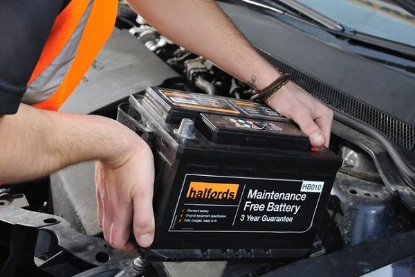 در فصول گرم سال چرا خرابی باتری افزایش خودرو پیدا می کند؟