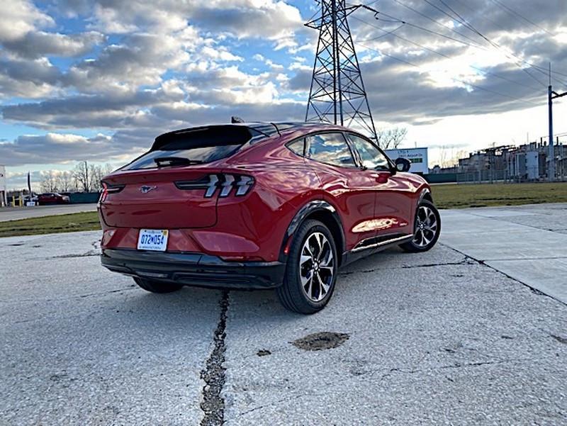 2021-Ford-Mustang-Mach-E-IMG_1991.jpg
