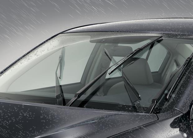 آیا با تغییر فصل باید تیغههای برف پاک کن خودرو را عوض کنیم؟