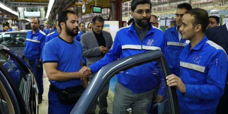 مدیر عامل ایران خودرو: اگر کسی ثابت کند در قرعهکشی اشکالی هست یک خودرو هدیه میدهم