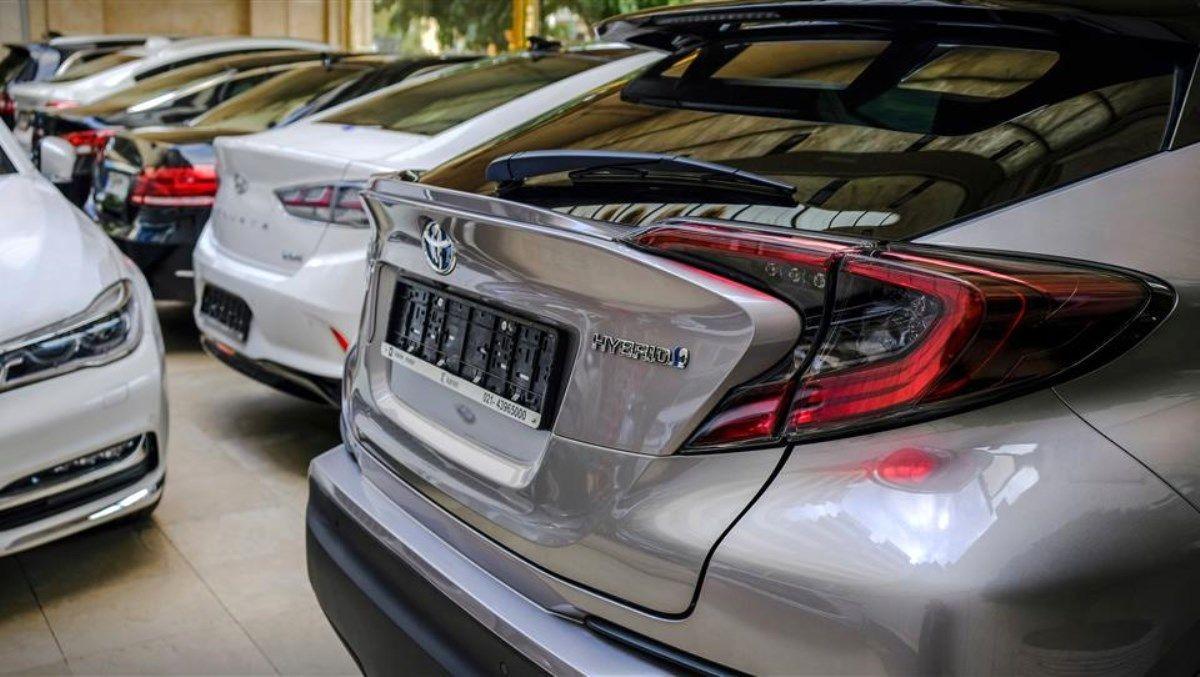 فروشندگان برای انتقال سند خودروهای وارداتی چند روز صبر کنید