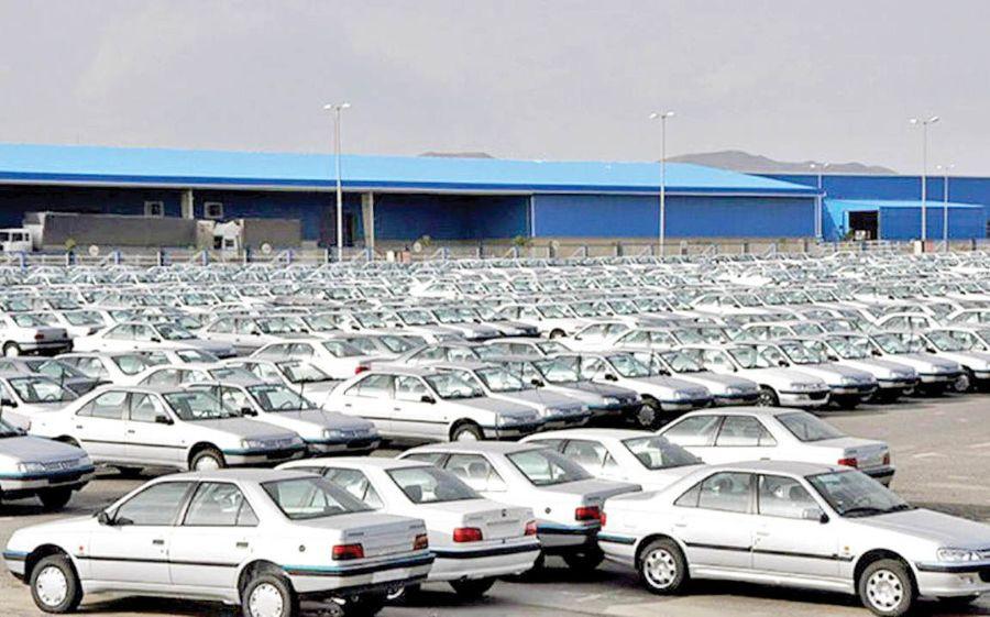 احتکار نیمی از تولیدات خودرویی در سال ۱۳۹۹، آیا ریزش بزرگ قیمت در راه است؟