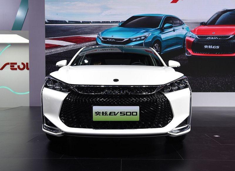 معرفی سدان جدید دانگ فنگ و 400 کیلومتر رانندگی پاک؛ ایولوس EV500 + عکس