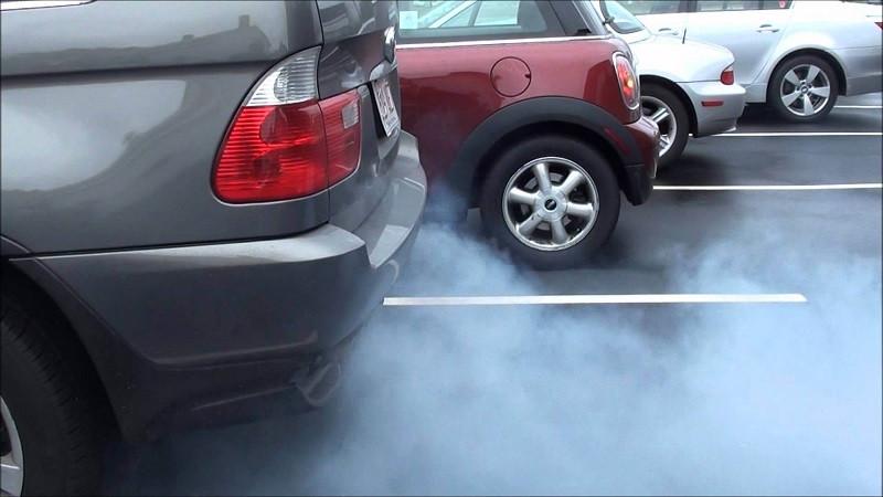 دلایل روغن سوزی موتور خودرو و نشانههای آن چیست؟