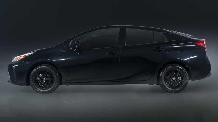 2022-toyota-prius-nightshade-special-edition-side.jpg