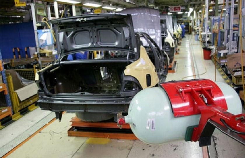 در دو ماهه اول امسال تولید خودروهای دوگانهسوز کاهش یافت