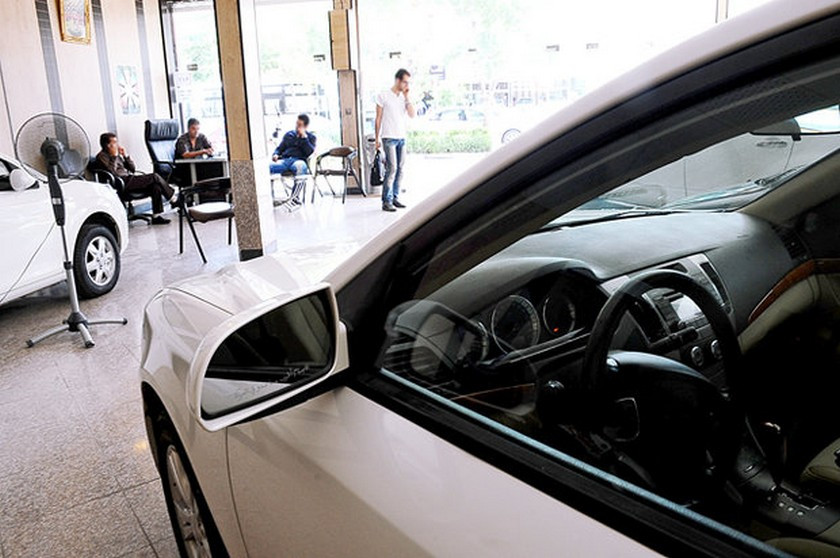 تنها راه برون رفت صنعت خودرو از بحران؛ فروش به قیمت حاشیه بازار  است