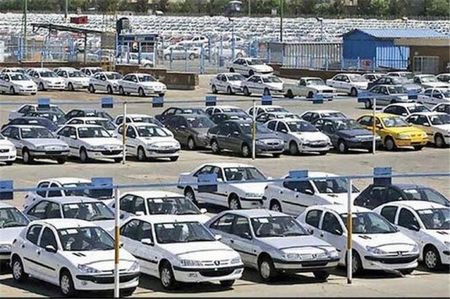 علی رغم ادعای افزایش تحویل ایرانخودرو، ۳۳۸۵ دستگاه خودرو تجاری نشد