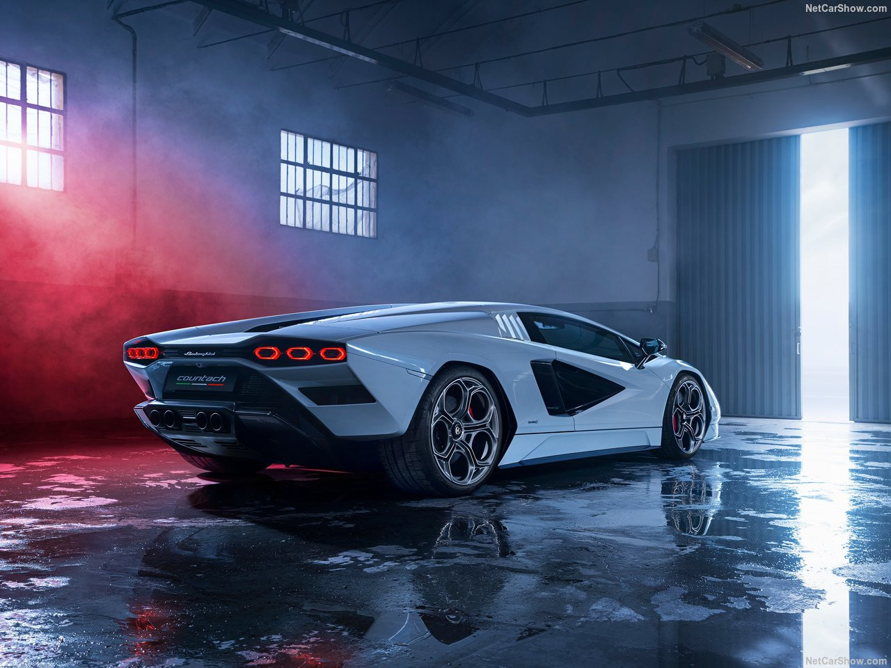 Lamborghini-Countach_LPI_800-4-2022-1280-10.jpg