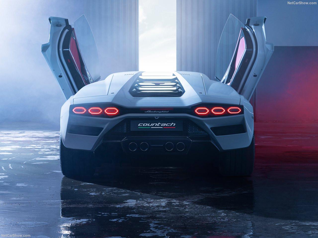 Lamborghini-Countach_LPI_800-4-2022-1280-1b.jpg
