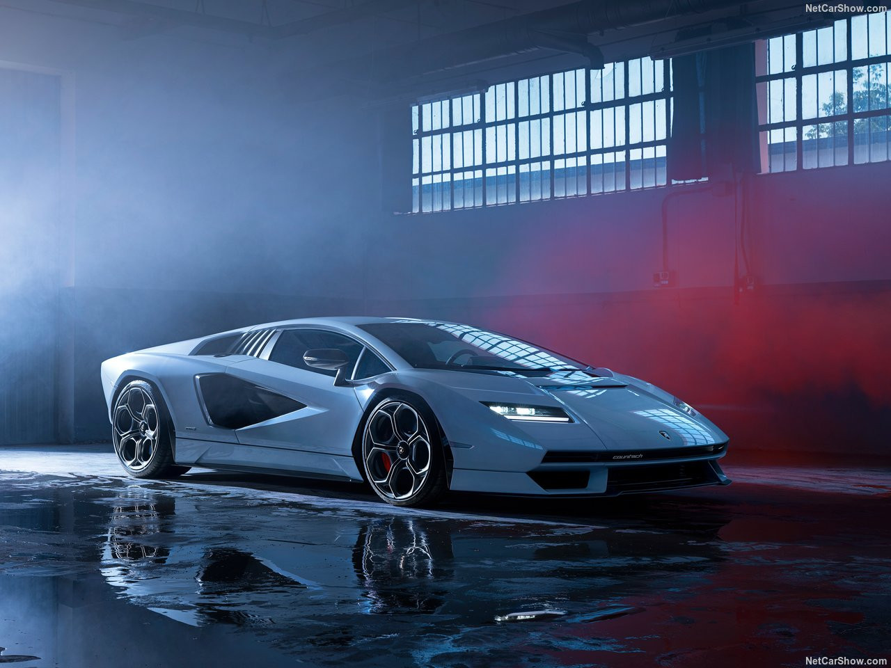 Lamborghini-Countach_LPI_800-4-2022-1280-02.jpg