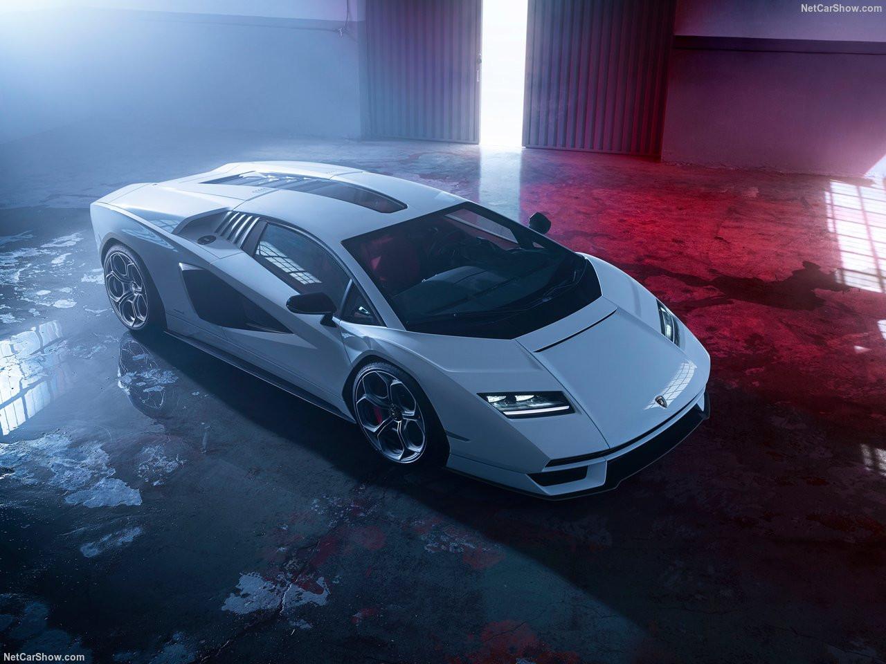Lamborghini-Countach_LPI_800-4-2022-1280-01.jpg