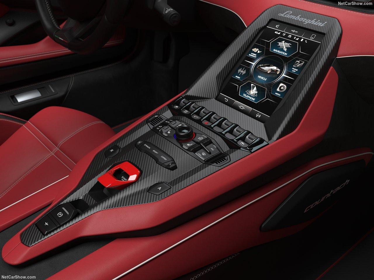 Lamborghini-Countach_LPI_800-4-2022-1280-2b.jpg