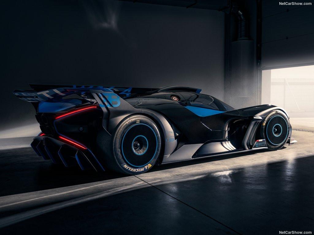 Bugatti-Bolide_Concept-2020-1024-0c.jpeg