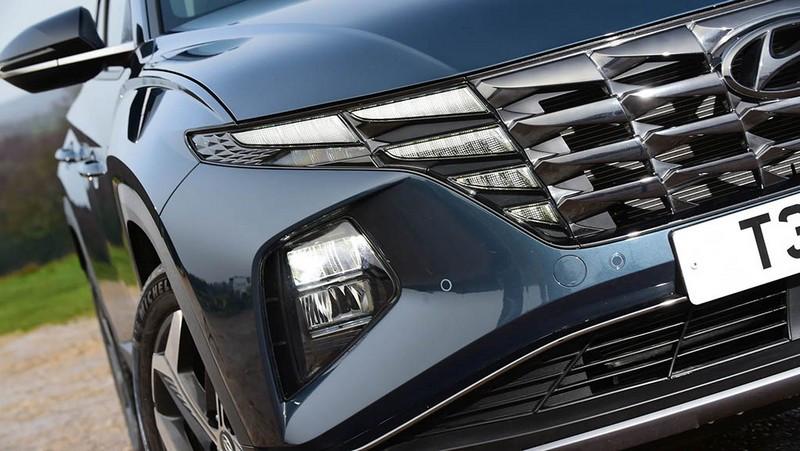 Hyundai-Tucson-vs-Lexus-NX-5.jpg
