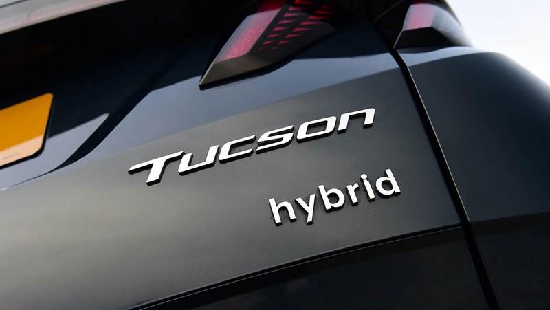 Hyundai-Tucson-vs-Lexus-NX-6.jpg