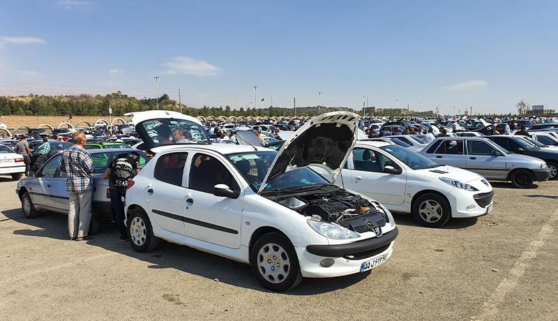 توقف روند شتاب گیری قیمت خودرو در بازار تهران + جدول