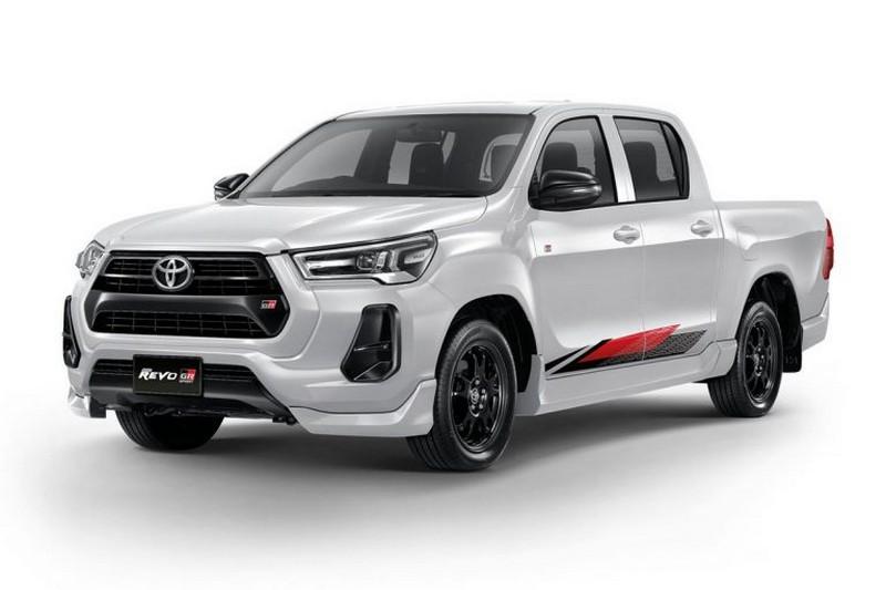 Toyota-Hilux-GR-Sport-6-767x511.jpg