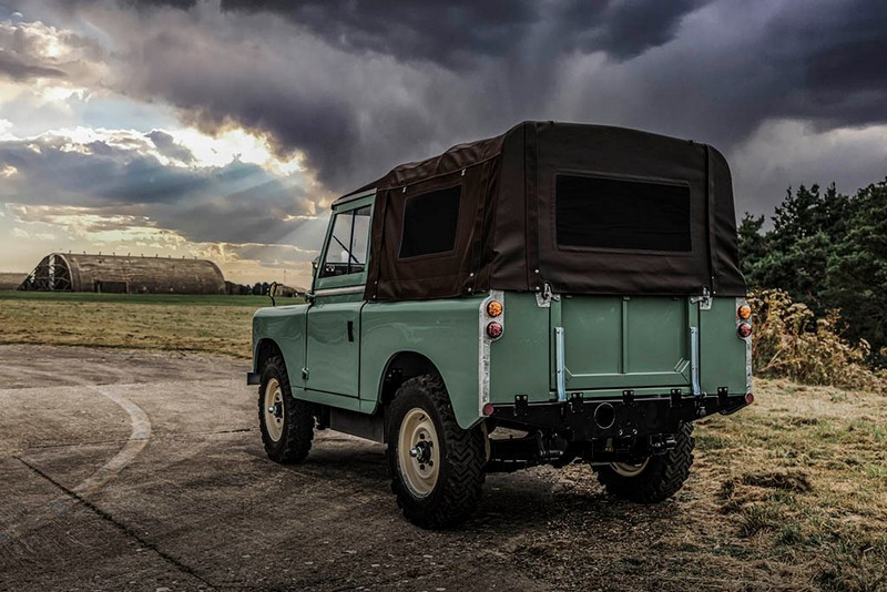Everrati-Land-Rover-Series-IIA-11.jpg