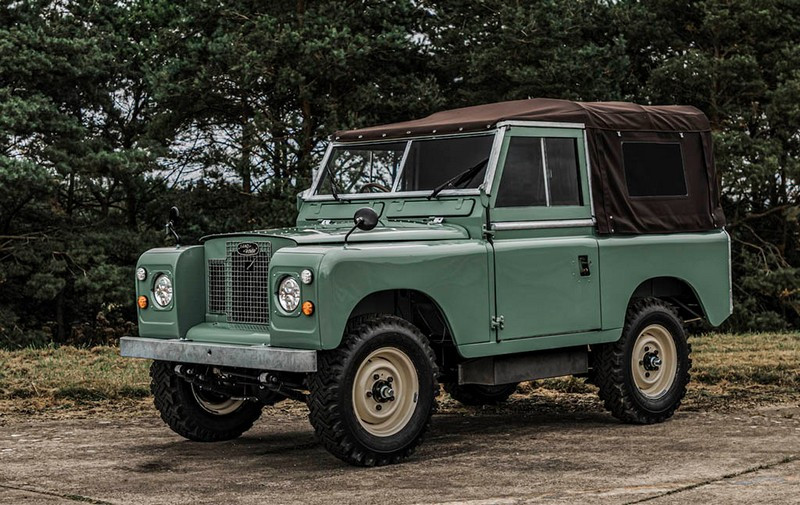 Everrati-Land-Rover-Series-IIA-1.jpg