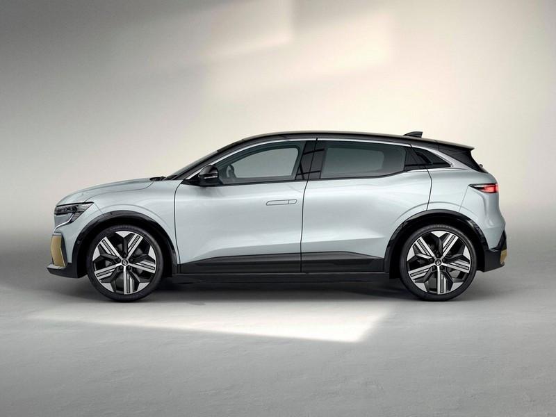 Renault-Megane_E-2.jpg