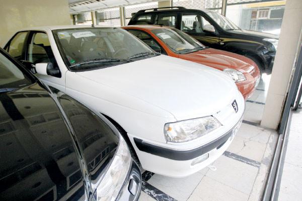 بازار در انتظار مشتری ، قیمت خودرو در بازار آزاد + جدول