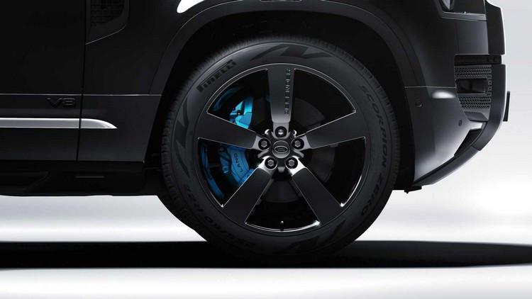 2022-land-rover-defender-v8-james-bond-edition-wheels.jpg